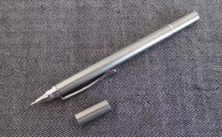 ボールペン側の蓋を開けたところ