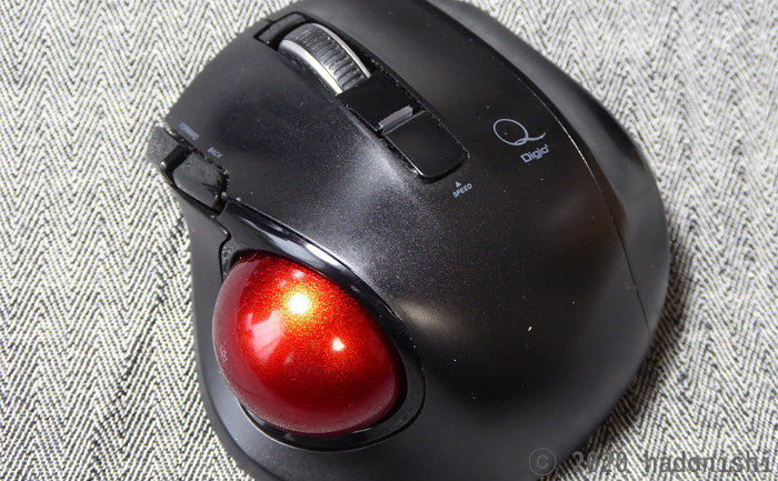 レビュー:手が小さくても使える Digio2 小型無線静音5ボタントラックボール MUS-TRLF132のサムネイル